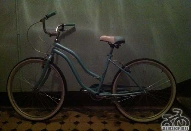 Велосипед с насосом и кодовым замком