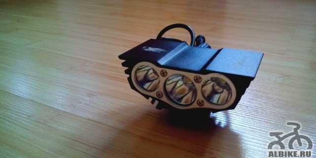 Велофара SolarStorm X3