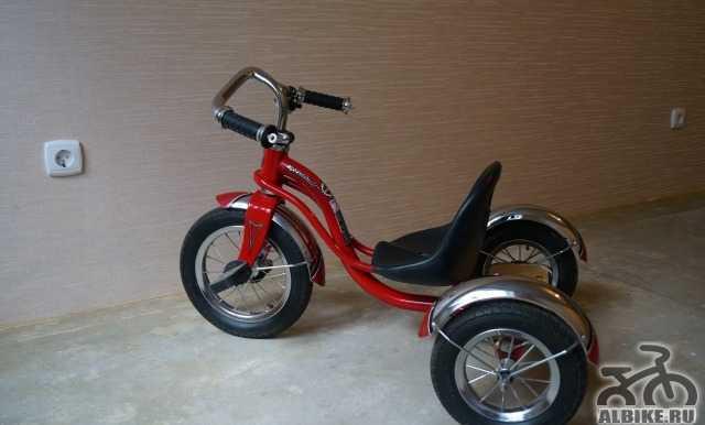 Детский велосипед Schwinn Родстер Trike