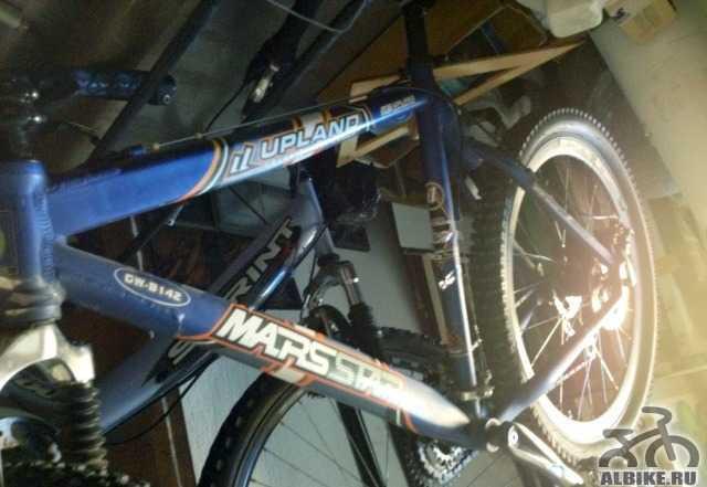 Шикарный синий горный велосипед