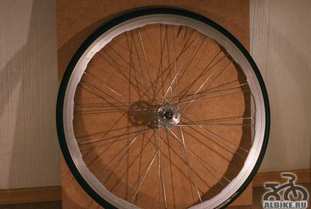 Колесо переднее для фикс гир велосипеда