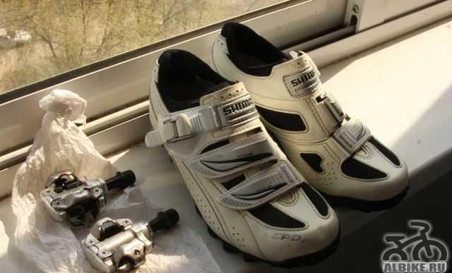 Велотуфли женские и контакные педали Shimano
