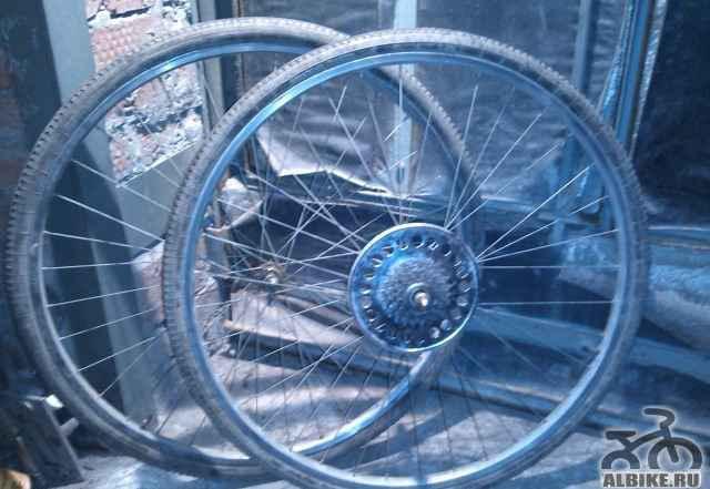 Переднее и заднее колесо хвз Спутник 28 дюймов