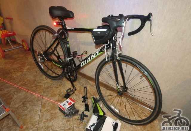 Шоссейный велосипед Giant Windmark 2500