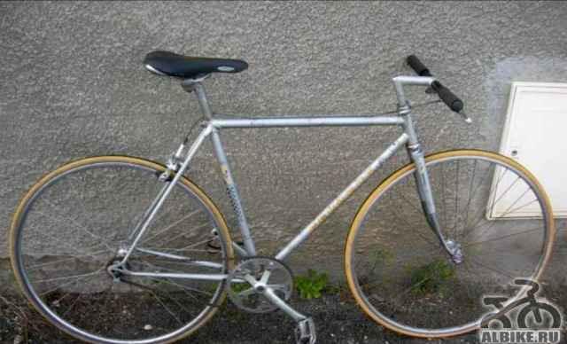 Ретро велосипед Пежо