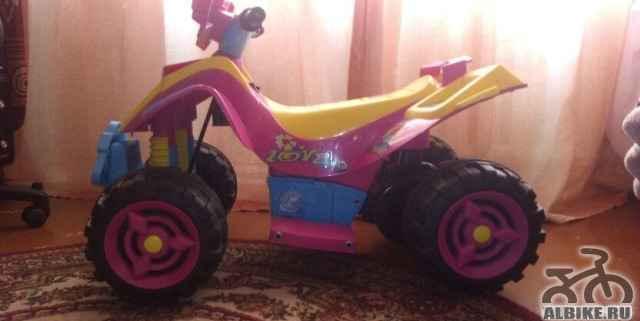 Продам квадроцикл для девочки